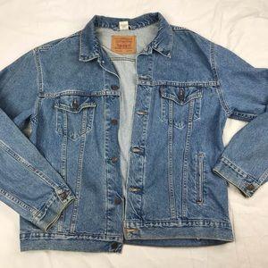Vintage Levi's Medium Wash Relaxed Trucker Jacket